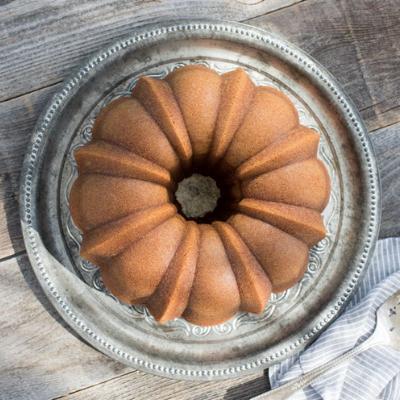 Torta prodotta con lo stampo per ciambellone nordicware